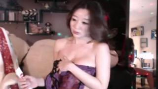 캠방 유출본) ㅋㅋ 엉덩이좀 더 흔들어봐