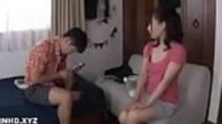 日本人の妻が盗んで暴れる