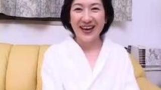 可愛い五十路熟女青木奈々Redtube無料ブルネットポルノビデオ40 min