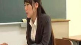 女教師に叱責挑発された童貞少年の逆襲 「先生をなめるんじゃないわよ!」今すぐやれるものならやってみなさいよ3 やれよ!小心…
