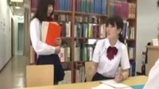【彩城ゆりな】友達のカレシを誘惑してパコっちゃう激カワ小悪魔女子校生