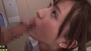 【天使もえ】痴女OLはエレベーターに乗ってきた上司のちんぽをノーハンドバキュームフェラでザーメン搾り取る。