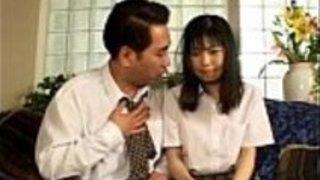日本から吸う小さなペニス