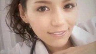 【痴女手コキ】美人な痴女女医先生の手コキM男プレイ動画!【xvideos動画】