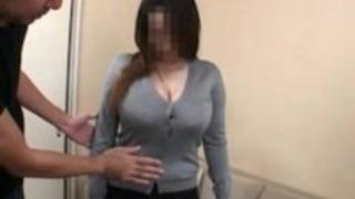 妻の巨大な授乳おっぱい6