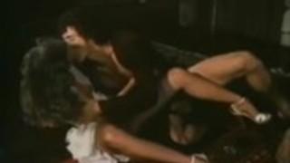 ミシェルバウアー、アンナ・ベンチュラ、古典的なポルノサイトでビクトリアノール