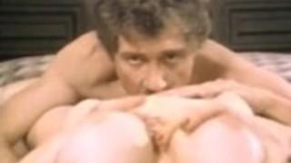 ヴィンテージポルノ映画の中でジョン・ホームズ、キャンディ・サンプル、ウッシー・ディガード