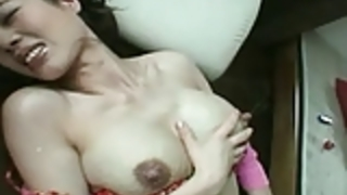 ハンズフリー授乳母乳噴水