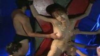 アヘ顔な女のSM凌辱拘束ローション拷問プレイ動画。