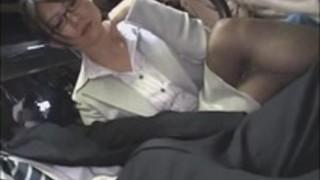 【痴女フェラ】淫乱なHな30代の痴女OL熟女のフェラ手コキプレイがエロい。【pornhub動画】