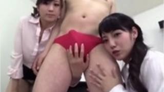 淫語淫乱痴女が2人でもっこりブリーフのM男のチンコをパンツの上から焦らして弄ぶ