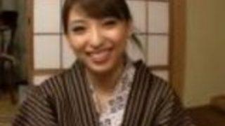 【秋山祥子】美女姉さんが一泊二日の旅行で浴衣を開けて絶叫SEX